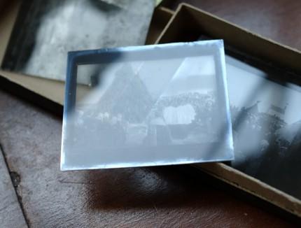 昔の写真の乾板 ガラスのネガ