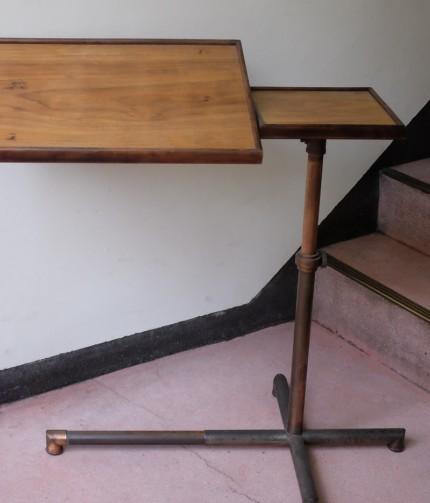 アンティーク スイスのCaruelle テーブル