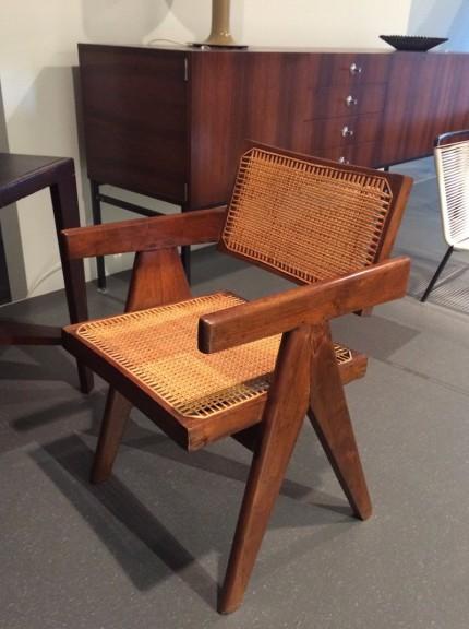 ピエールジャンヌレ チャンディガールの椅子