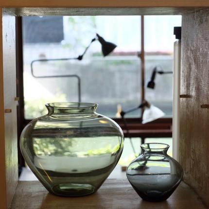 ワーゲンフェルトのガラス花瓶とガラスシェードのランプグラとダブルエルボーのグラとレアなリフレクターのグラ。