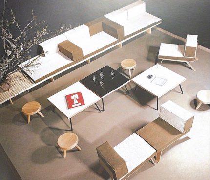 シャルロットペリアンのスクエアコーヒーテーブル 東京の展示会